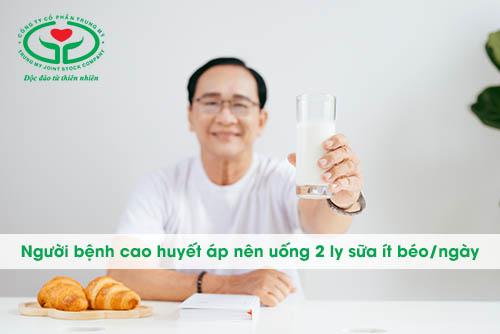 Huyết áp cao uống gì? – Hãy uống 2 ly sữa ít béo/ngày