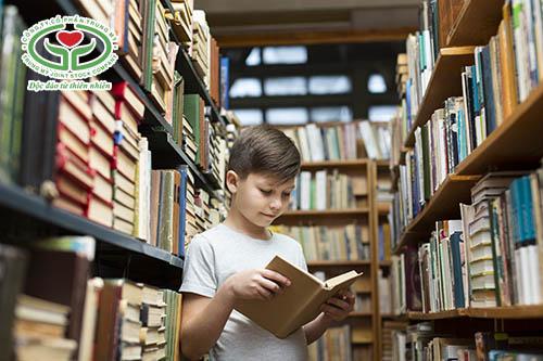 Khuyến khích trẻ vào lớp 1 không tập trung đọc nhiều sách hơn